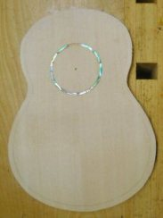 'Ukulele 5 Top with abalone inlay installed
