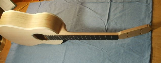 'Ukulele #11 Full 3/4 View, 20 Frets